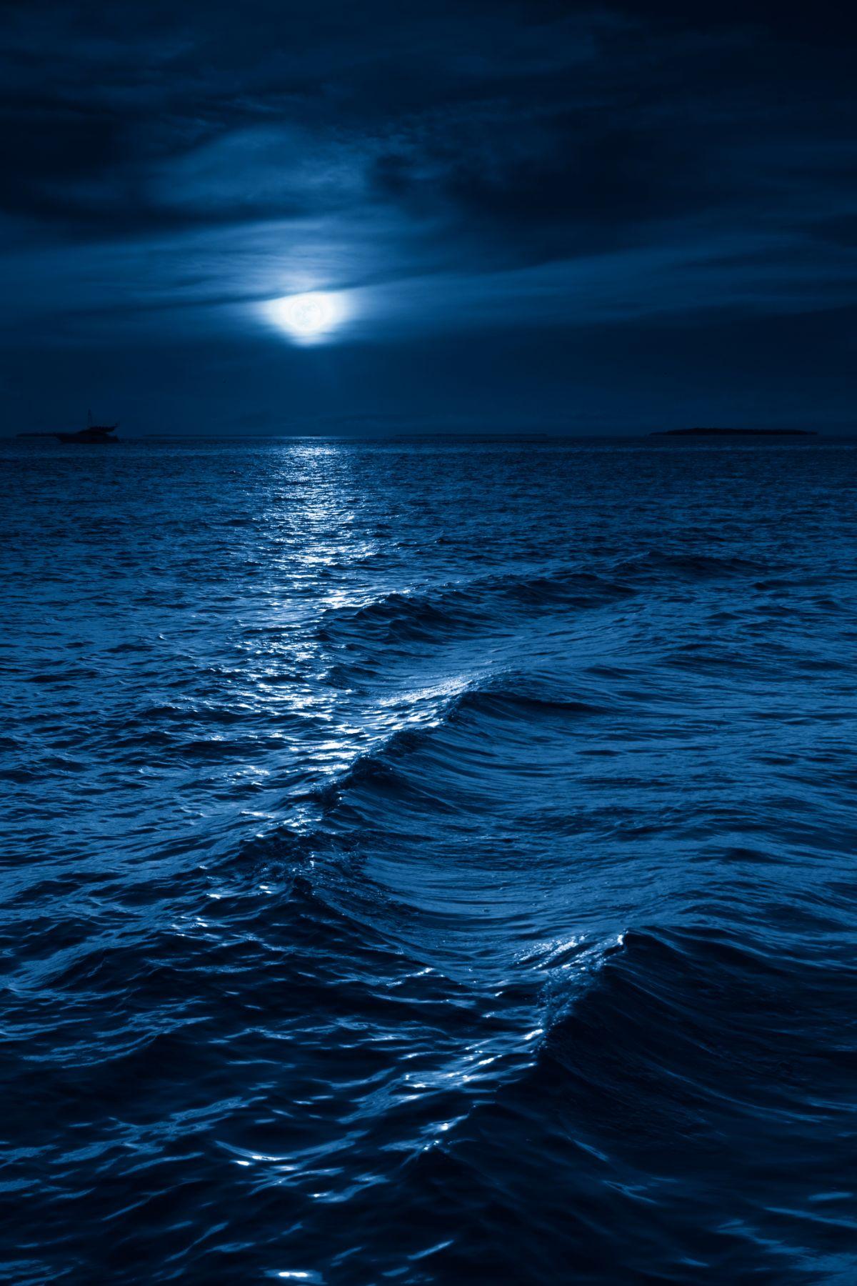 Moon Lit to Ocean